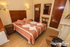 SUPERIOR DOUBLE / TWIN ROOM