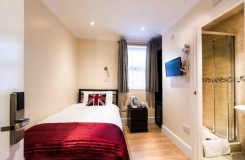 Single room with en suite