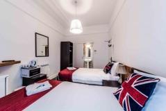Twin room with en suite
