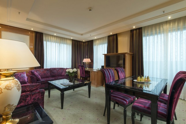 Superior Executive Suite with Lounge access