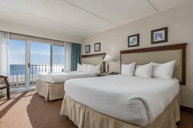 Ocean Front 2 Queen Suite