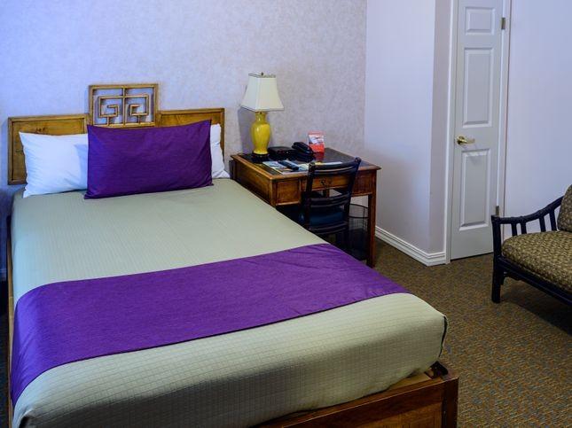 Deluxe Room Queen Bed
