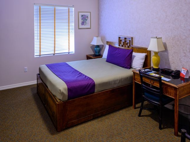 Deluxe Room Queen Bed Accessible