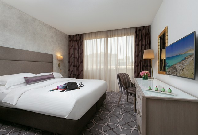 Club Rotana city view room - King bed