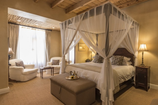 Courtyard Manor Suite